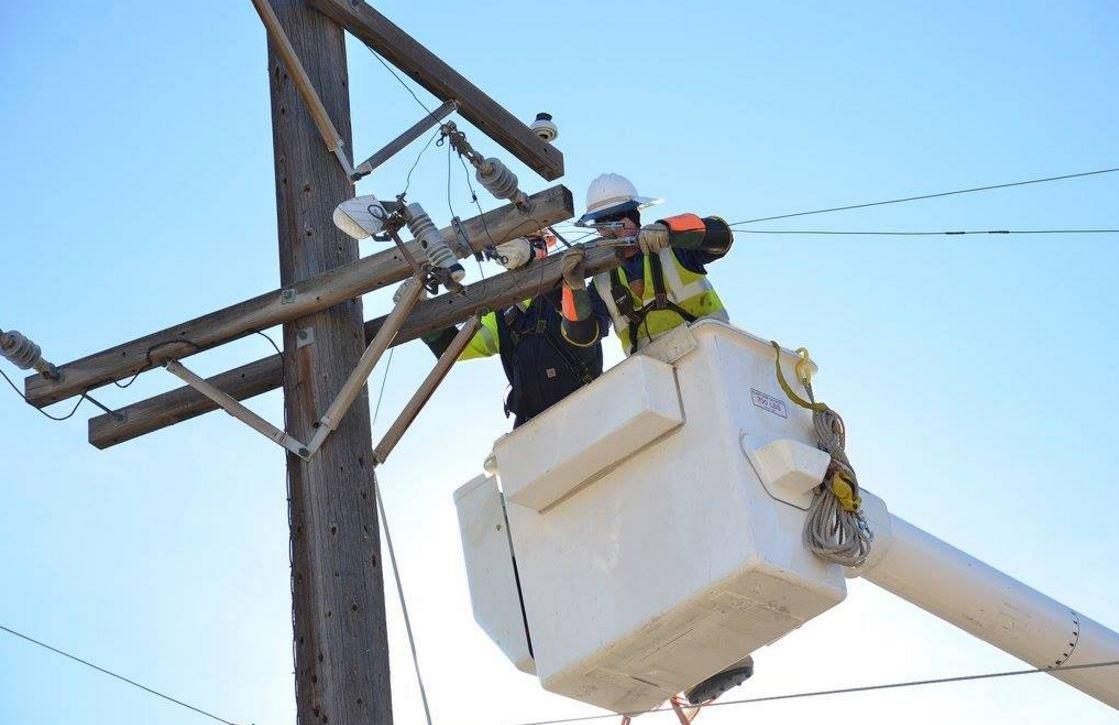 Utility workers restoring power following January's windstorm event. (Facebook: Colorado Springs Utilities)