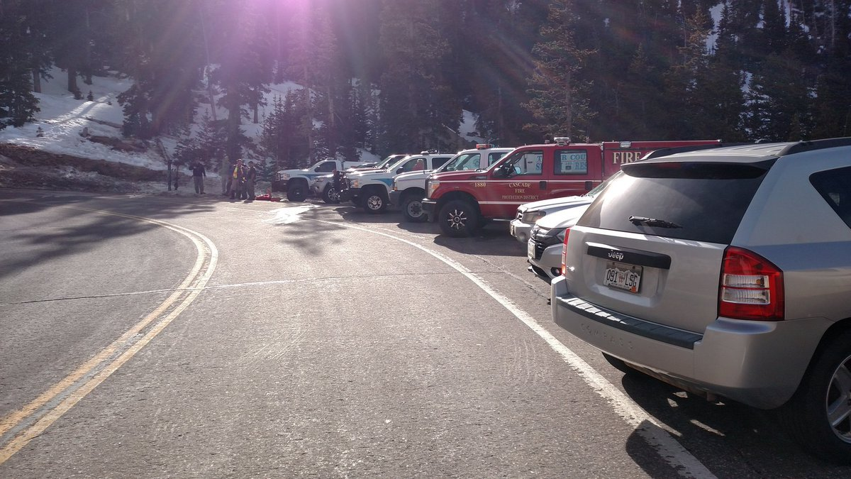 Colorado Springs middle school teacher dies in skiing accident on Pikes Peak