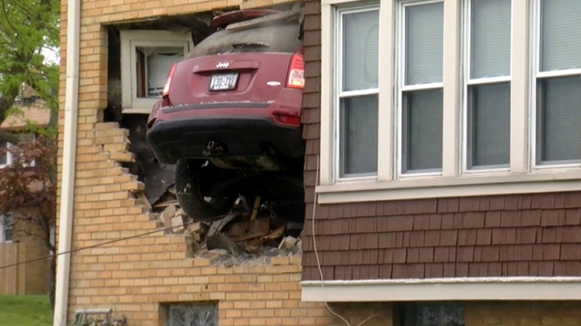 The driver of this Jeep was cited for inattentive driving.