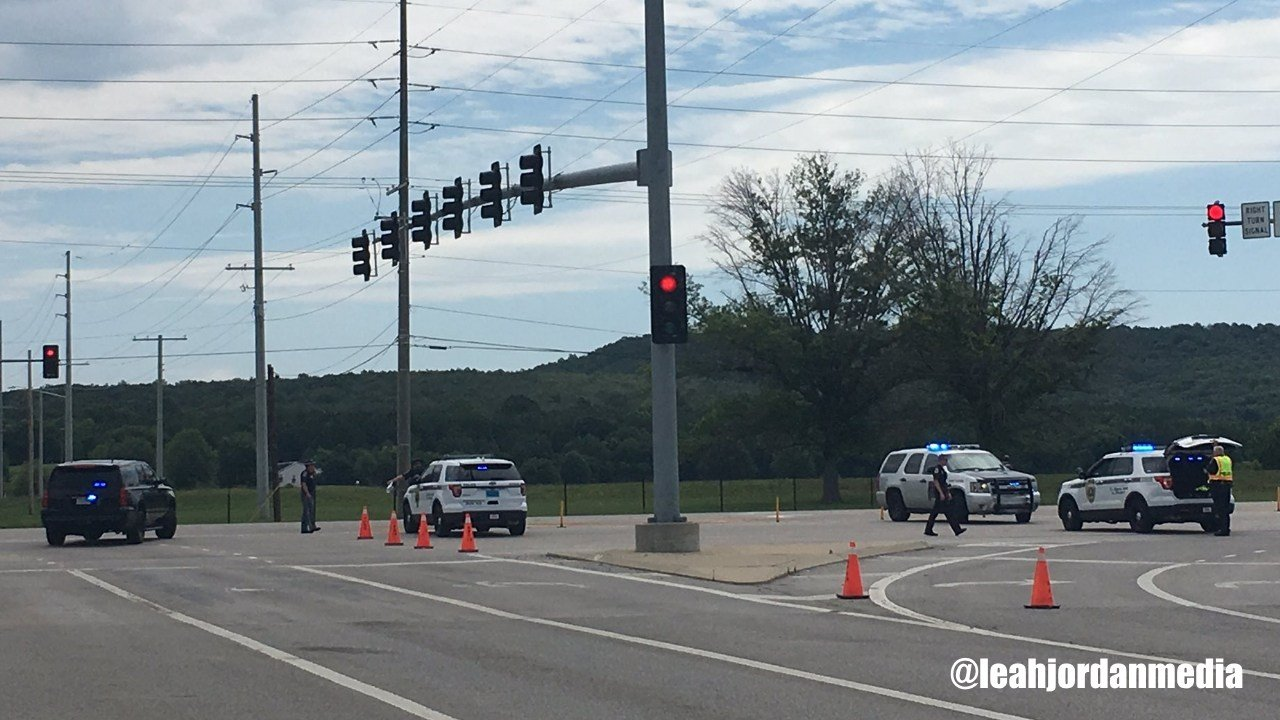 A lockdown in place at the Redstone Arsenal in Hunstville, Alabama. (@leahjordanmedia)