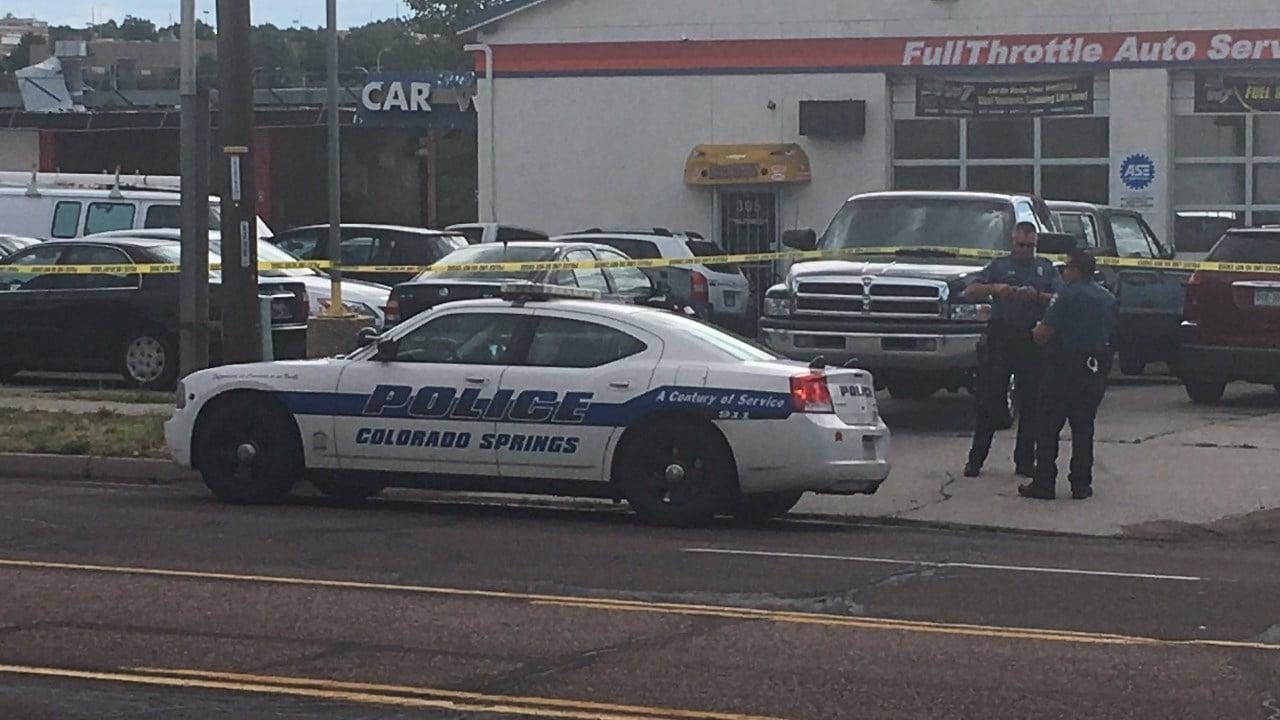 CSPD blocks access to an auto shop on Chelton following a robbery. (KOAA)