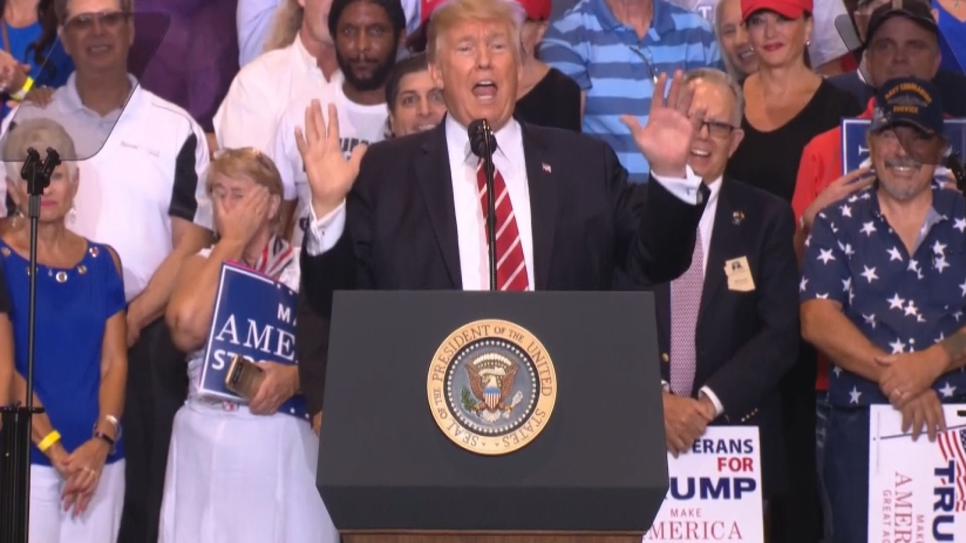 Trump lashes out at press during Arizona rally