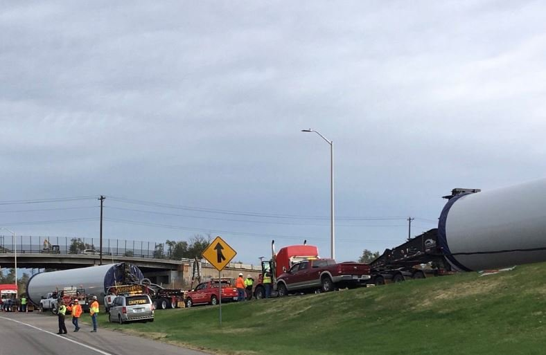 A piece of a wind turbine fell off a truck on NB I-25 between the Abriendo and Central exits.