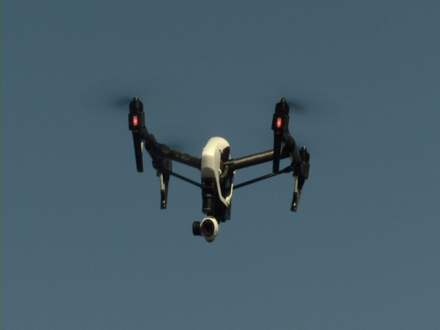 Elected leaders in El Paso County are discussing the idea of creating a drone park to give unmanned aircraft pilots a public space to fly.