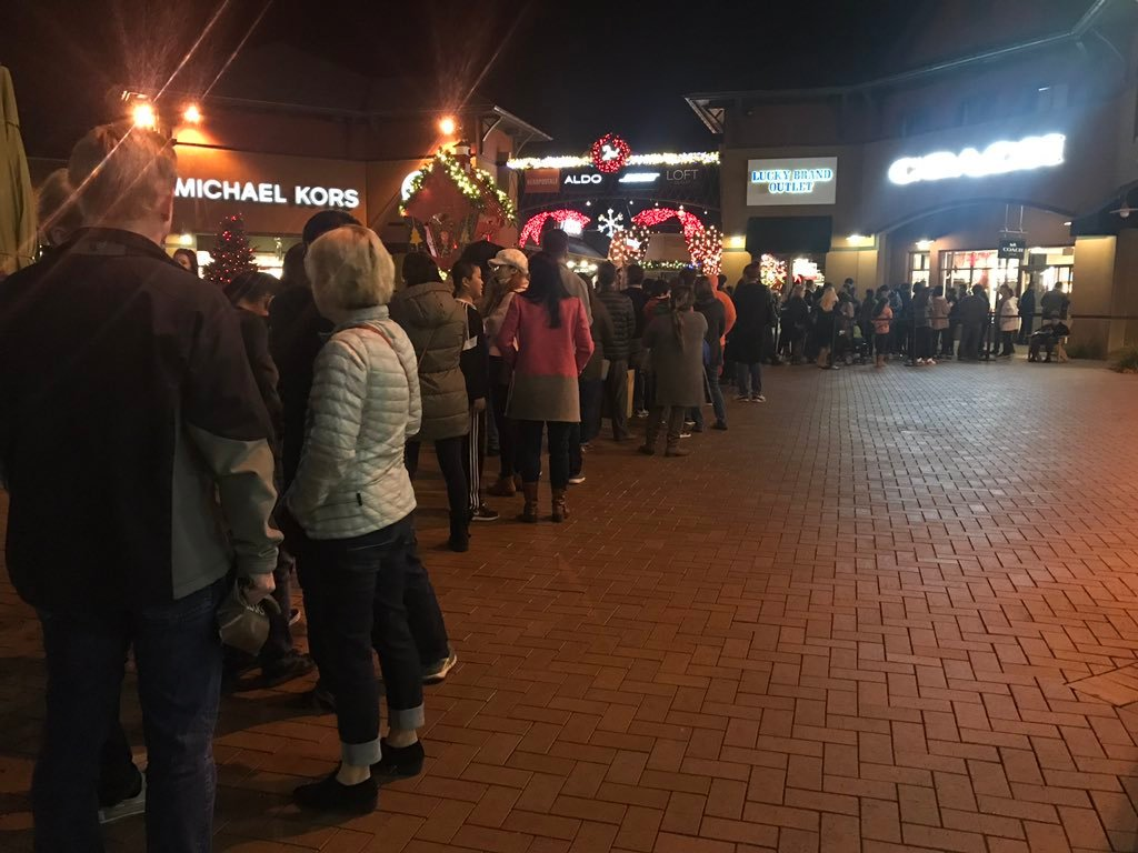 Shoppers flock to Outlets in Castle Rock for Black Friday deals on Thanksgiving. (KOAA)