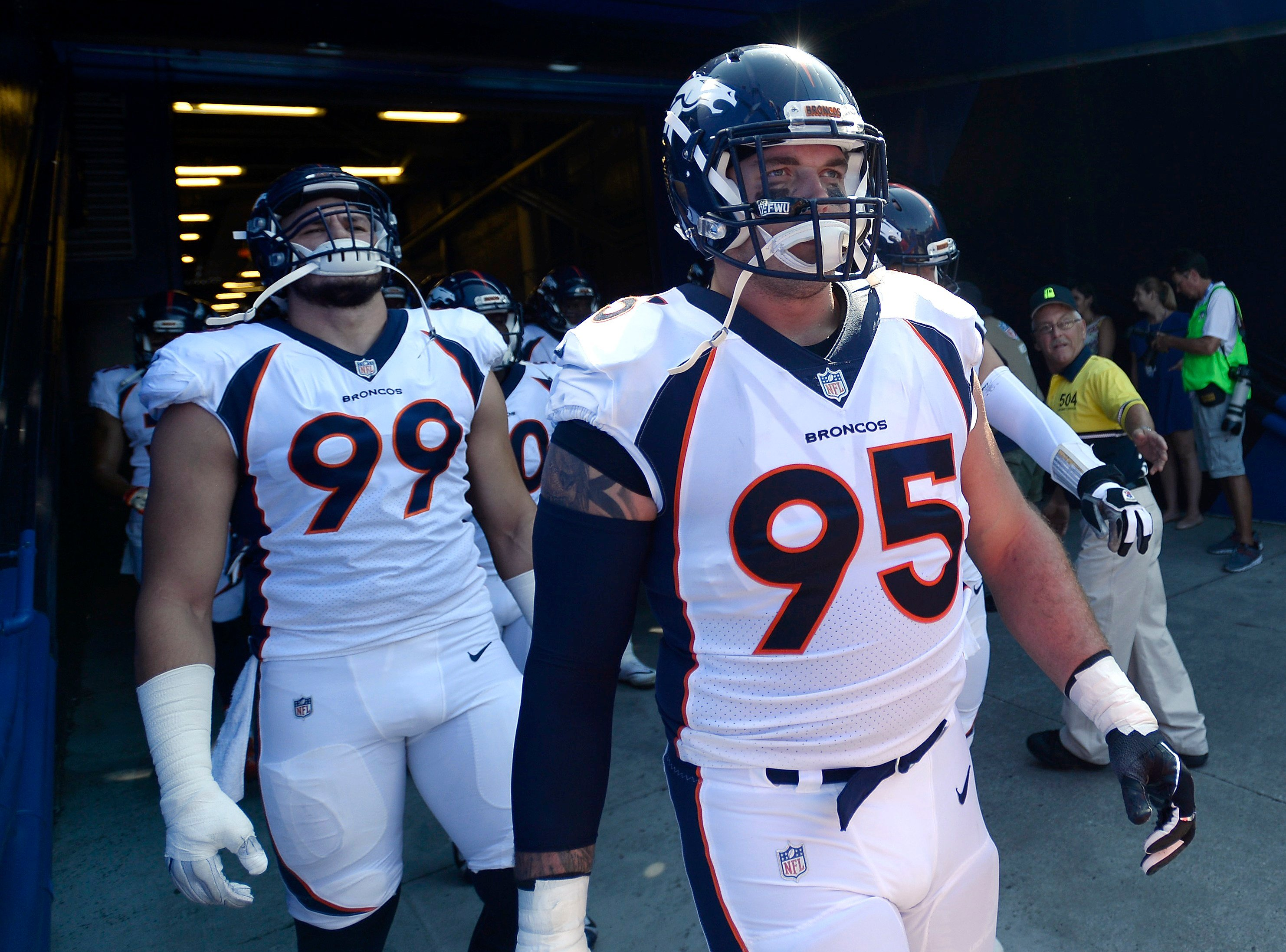 Broncos place Derek Wolfe on IR, make pair of practice squad moves