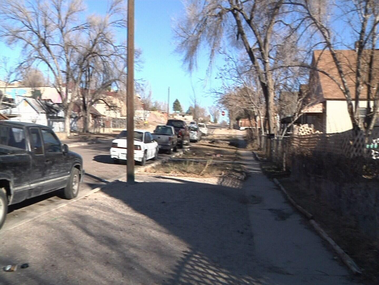 Neighborhood near Joplin & 1st Street where a car was stolen