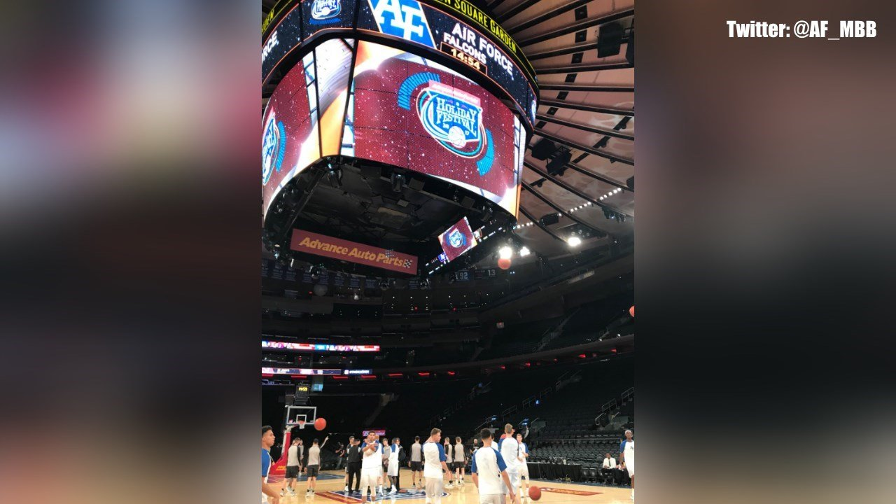 US Air Force Academy Falcons Men's Basketball team warms up for their game against Army at Madison Square Garden. (@AF_MBB)