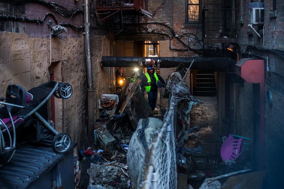 12 dead in fast-moving NY  apartment fire