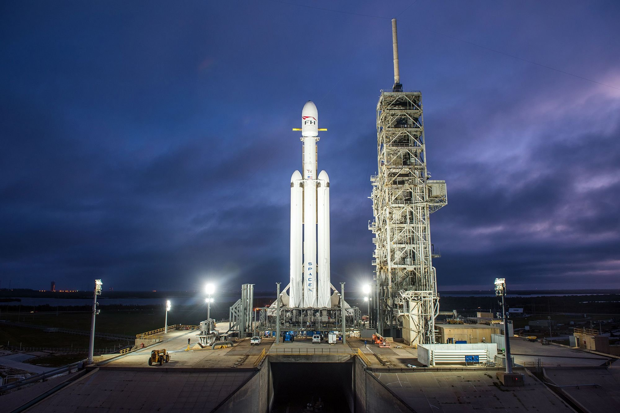 Unfortunately, SpaceX's Falcon Heavy can't launch while government is shutdown