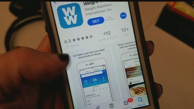 According to obesity medicine specialists, logging what you eat through apps is a great option for getting and staying trim!