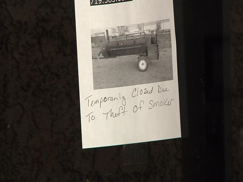 Sign on the door of Nana's House Cafe in Pueblo