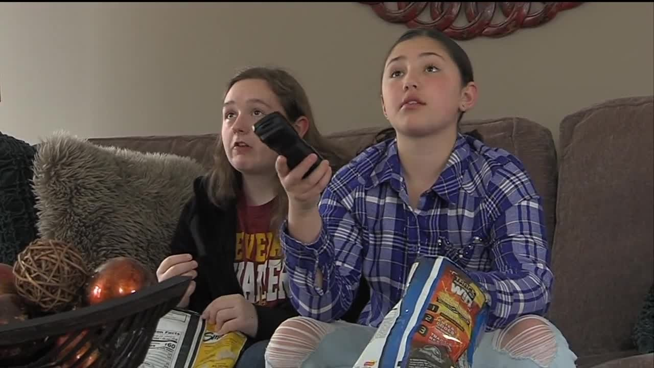 Binge watching TV shows can easily turn into binge snacking, especially for teens.