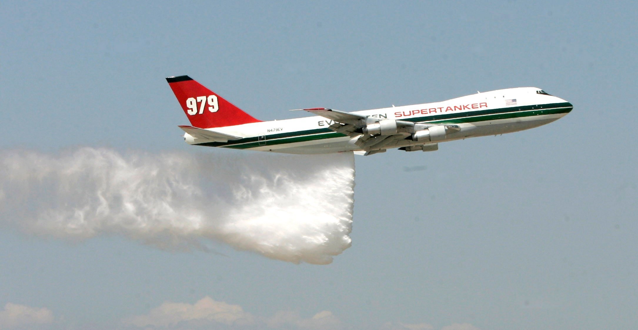 Colorado Springs based SuperTanker called to fight California fires