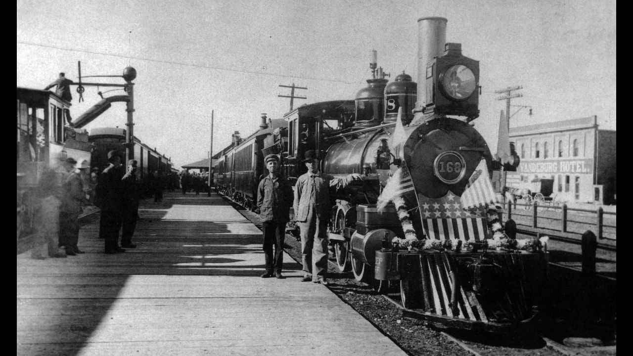 Engine 168 waiting for President Taft in Montrose in 1909.